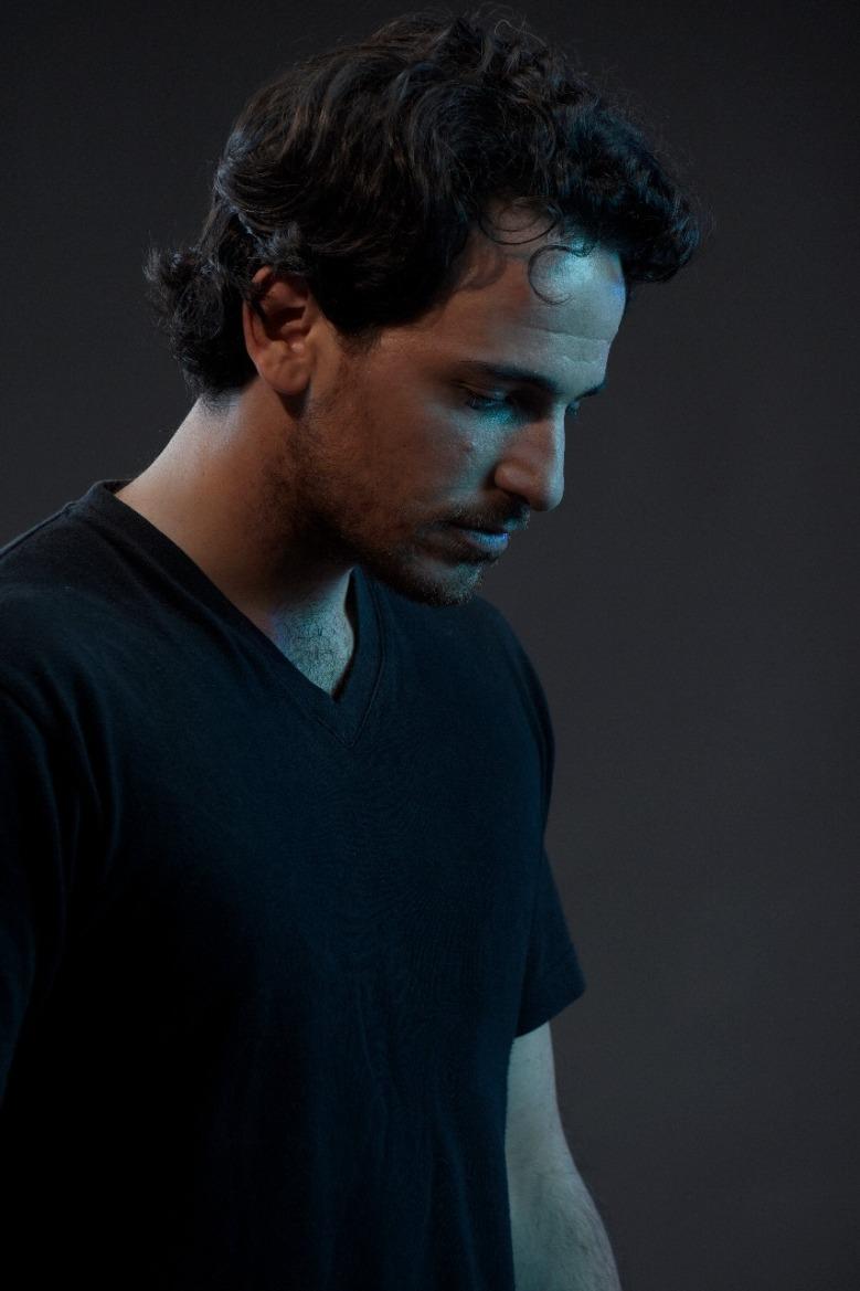 Emmanuel Carrion en Tríptico, el mar que habito
