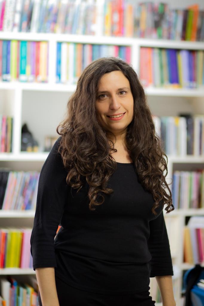 Nurit Kasztelan (ph: Alejandra Bonaccini) para Amalgama Cultural